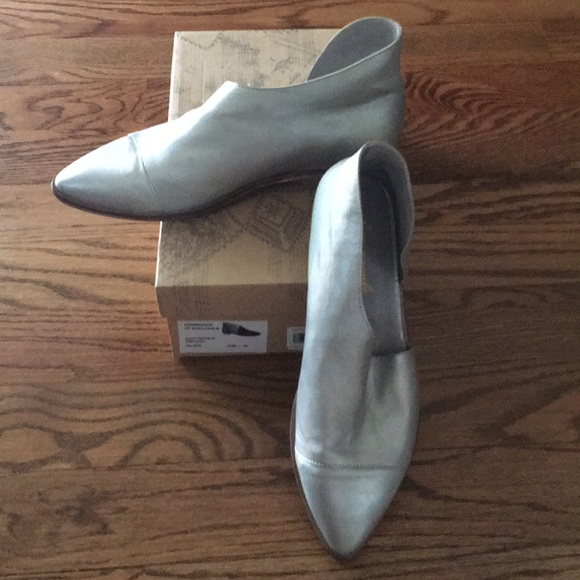 Free People Shoes - Free People silver flats